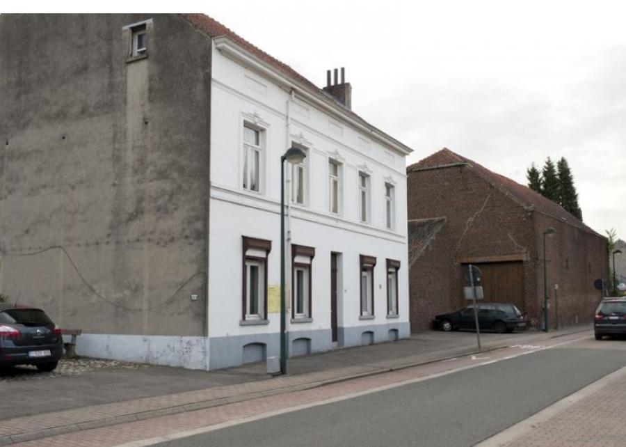 La belle façade de la ferme bourgeoise Van Sever